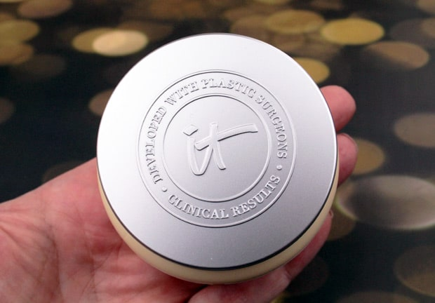 IT-Cosmetics-Confidence-in-a-cream-review-4