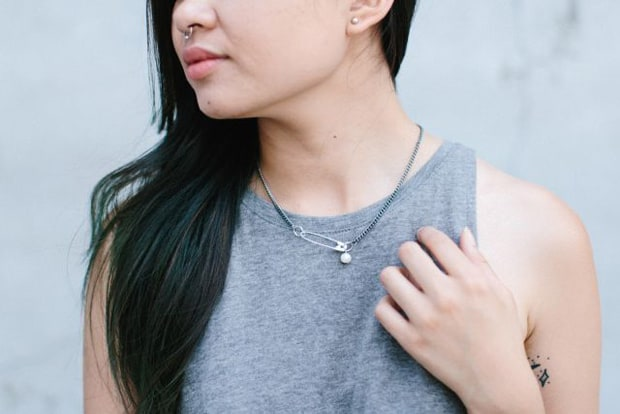 DIY Safety Pin Pearl Necklace 11 styled Easy DIY Projects: Safety Pin and Pearl Necklace
