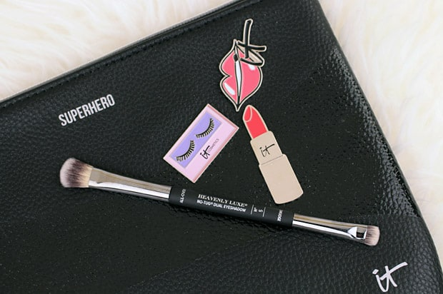 IT Cosmetics heavenly luxe dual eyeshadow brush IT Cosmetics Superhero Palette swatches and review