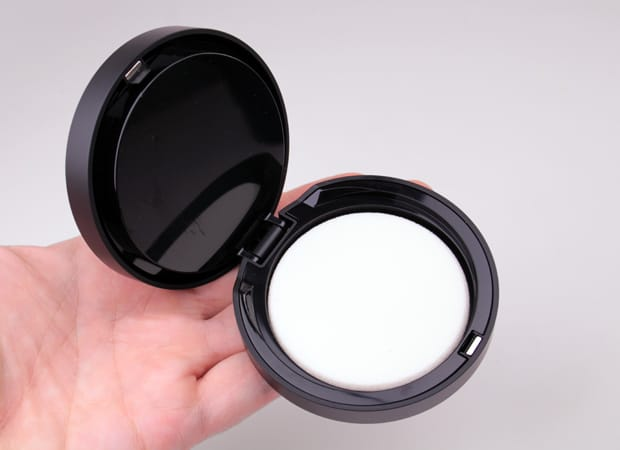 bareminerals barepro review 4 bareMINERALS barePro Performance Wear Powder Foundation swatches and review