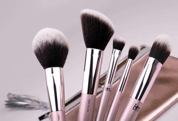 it-cosmetics-city-chic-brush-set-2