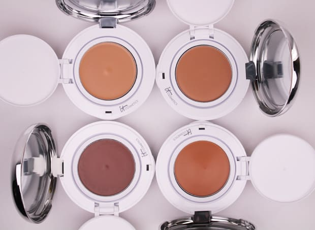 IT Cosmetics Confidence in a compact foundation medium tan swatch 8 IT Cosmetics Confidence In A Compact: swatches of EVERY shade