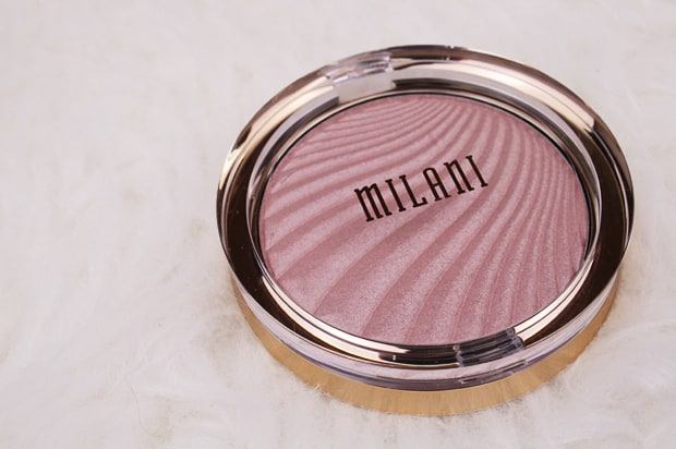 Milani Strobelight Instant Glow Powder review 1 Spring 2017 Milani contour & highlight products   review, swatches & look