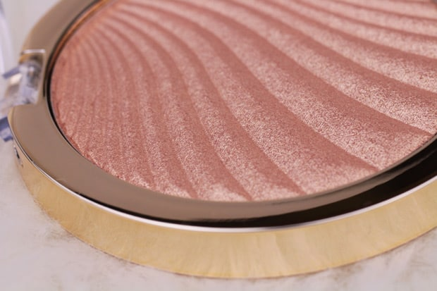 Milani Strobelight Instant Glow Powder review 3 Spring 2017 Milani contour & highlight products   review, swatches & look