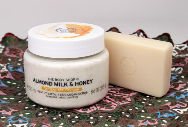 The Body Shop Almond Milk and Honey Cream Scrub The Body Shop Almond Milk and Honey Body Care Collection