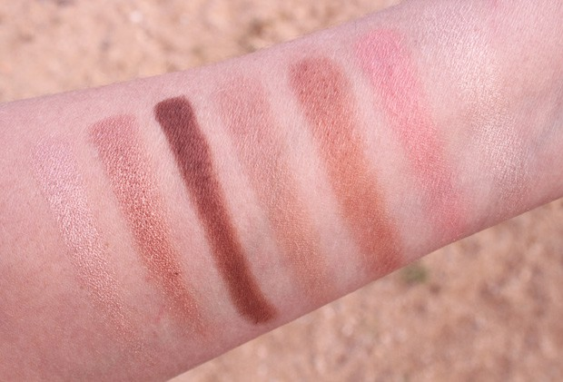 Charlotte Tilbury Instant Look in a Palette Beauty Glow swatches 3 One palette does it all: Charlotte Tilbury Instant Look in a Palette