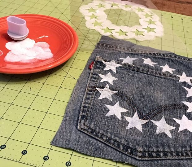 DIY Jean Ribbon Rustic Flag 6 DIY Rustic American Flag with Denim and Ribbon   Easy DIY Projects