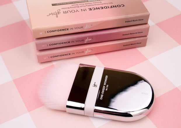 IT Cosmetics Heavenly Skin One Sweep Wonder 705 brush IT Cosmetics Confidence In Your Glow Blushing Bronzer swatches and review