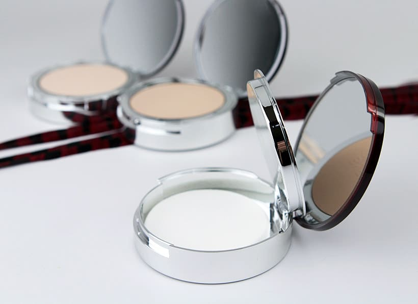 It Cosmetics Bye Bye Redness Erasing Correcting Powder 2 IT Cosmetics Bye Bye Redness Collection Review