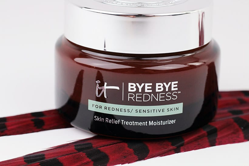 It Cosmetics Bye Bye Redness Skin Relief Treatment moisturizer 1 IT Cosmetics Bye Bye Redness Collection Review