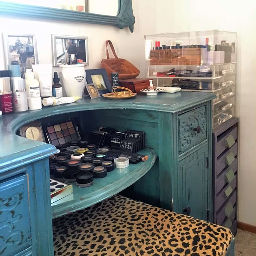 Vintage makeup vanity Where Do You Do Your Makeup?